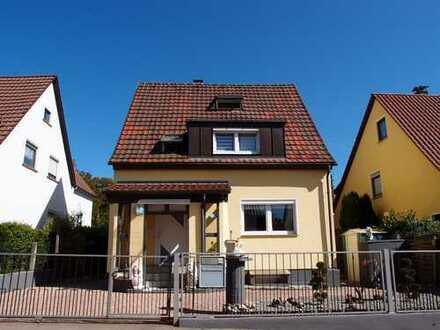 Rarität: Freistehendes, sonniges Haus mit großem Garten in S-Bahn Nähe in Stuttgart-Sommerrain !