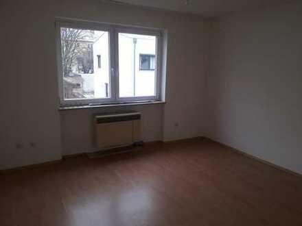 Einfache, gepflegte 1-Zimmer-Wohnung mit EBK in Augsburg