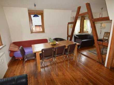 Wunderschöne 4 Zimmer Maisonette-Wohnung inkl. kleiner Dachterrasse und EBK