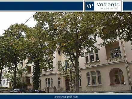 Vorderer/Westen - Bebelplatz: Großzügige 5 ZKB Altbauwohnung mit zwei Balkonen, Fahrstuhl und Garage