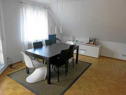 Helle und modern ausgestattete 2,5-Zimmer-Maisonette-Wohnung mit Südostbalkon in Stuttgart-Botnang