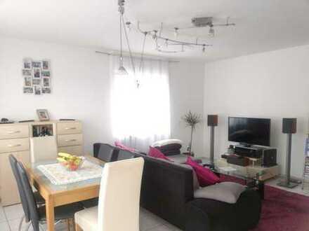 Tawern, -gepflegte Wohnung mit vier Zimmern und Balkon in Tawern
