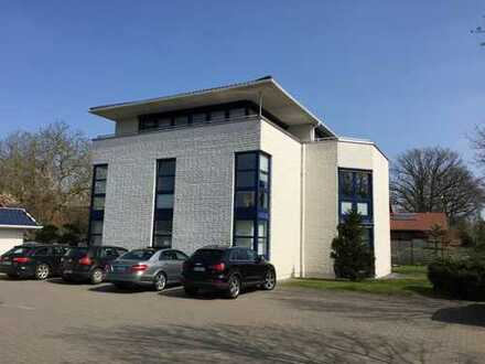 Büro oder Praxis in modernem Bürogebäude zu vermieten