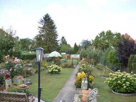 Topsaniertes Haus + Doppelgarage + 514 qm Garten - in Toplage