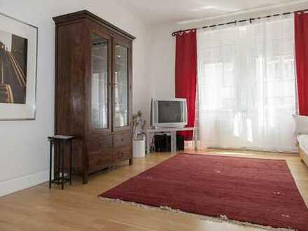 F-Bornheim: 2-Zimmerwohnung mit Wohnküche