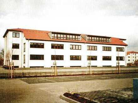 2 Moderne Büro-/Lagergebäude direkt am Flughafen Berlin (BER)