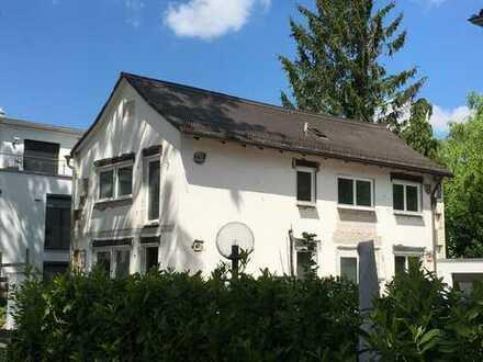 schönes Einfamilienhaus mit kleinem Garten - saniert