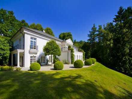 Einzigartige Villa mit Kellerseezugang