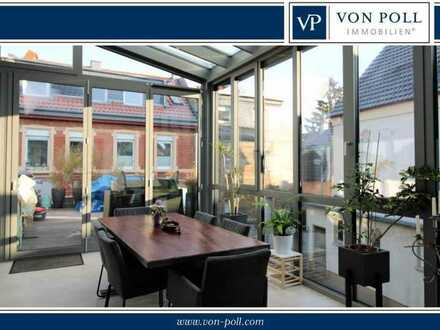 Kernsaniertes Einfamilienhaus mit Terrasse, Wintergarten und Hof