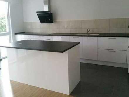 Neubau, Erstbezug, moderne 4 Zimmer Wohnung mit Einbauküche