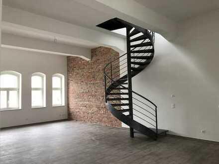 attraktive 5-Zimmer-Loft-Wohnung mit Balkon Dachterrasse