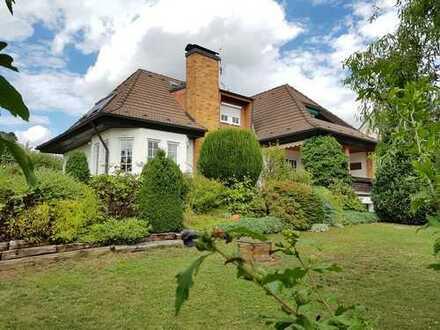 Warum nicht Hirschaid? -:- Einfamilienhaus im Landhausstil auf großzügigem Grundstück zu verkaufen