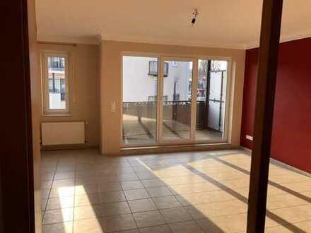 Gepflegte 3-Zimmer-Wohnung mit Balkon und EBK in Damme