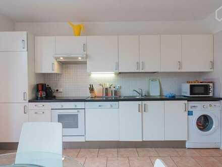 Modernisierte Wohnung mit zwei Zimmern sowie Balkon und EBK in Borken