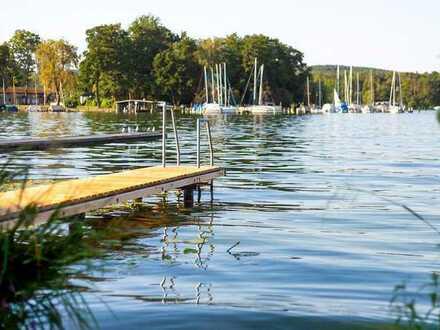 Maritimes Wohnen in Köpenick: Eigentumswohnung mit Bootsanleger und Stellplatz
