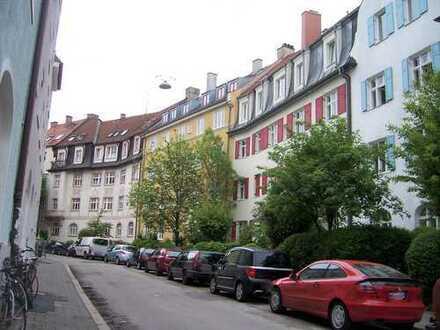 ISARNÄHE - Entzückende 2 Zimmer Altbau-Wohnung, Parkettboden, EBK, Gartenbenutzung, in ruhiger Lage
