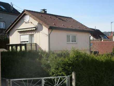 Schönes Einfamilienhaus mit schönem Garten, Balkon und großer Terrasse - Top Lage