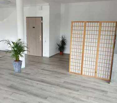 Neckarsulm-Neuberg: Attraktive Laden-/Bürofläche/Friseur-Laden/Schreibwarenladen