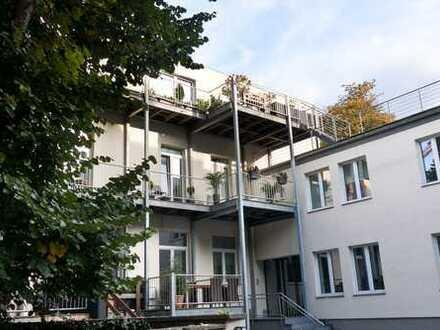 Luxus Penthouse-Wohnung über 2 Ebenen mit Kamin und Terrasse