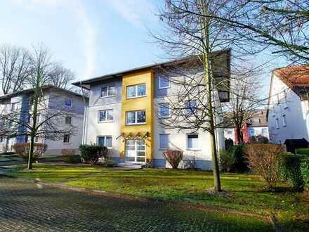 Schöner Wohnen mit Gartenanteil und Garage!