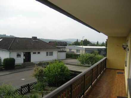 Großzügige 3-Zimmer-Wohnung mit Balkon und EBK in Taunusstein