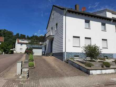 Attraktives Haus, wird z.Z. innen saniert , mit acht Zimmern in St. Ingbert, Mühlenwald