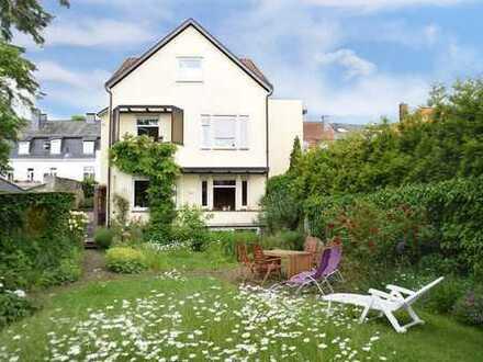 RESERVIERT - Wohnhaus mit wunderschönem Garten in Bestlage der Detmolder Innenstadt