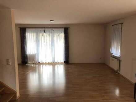 3-Zimmer-Maisonette-Wohnung mit Balkon in Weitenung