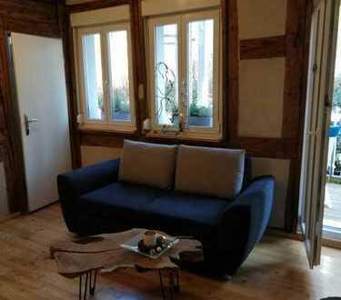 Top Tipp - ausergewöhnliche 2-Zimmer-Wohnung mit Balkon und Einbauküche in Schwäbisch Hall (Kreis)