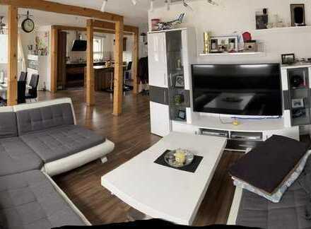Vollständig renovierte lichtdurchflutete 5-Zimmer-Maisonette-Wohnung mit EBK