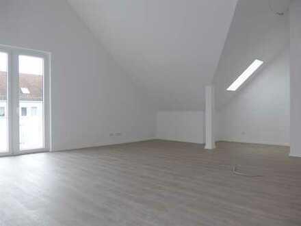 Sofort bezugsfertig: 3-Zimmer-Dachgeschosswohnung mit Balkon