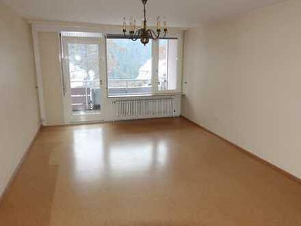 Gepflegte Einzimmerwohnung zentral in Freudenstadt mit Balkon, Garage und Kellerabteil