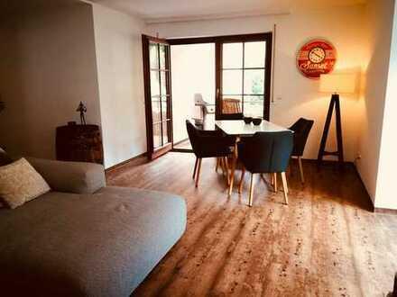65 m² / 2,5 Zimmer / Tiefgaragenstellplatz / Renoviert - 1. Bezug / Privatverkauf