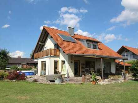 Modernes Landhaus mit Gartenparadies!