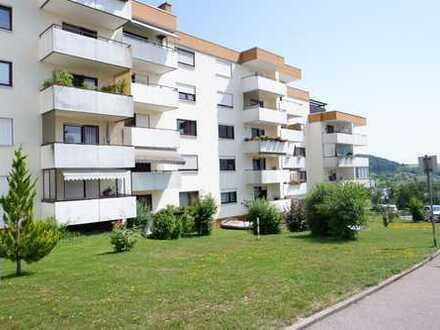 Renovierte 1 Zimmer Wohnung im 1.OG mit Aufzug, einer neuen EBK sowie Balkon in Heimsheim, WM: 595€