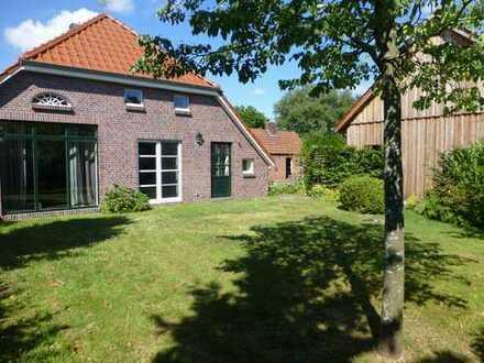 Aufwendig und hochwertig saniertes Fehnhaus in ruhiger und schöner Wiekenlage