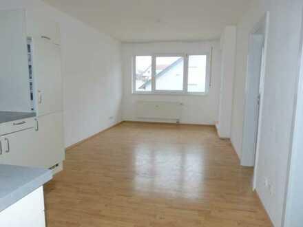 Single-ideal: 2-Zi-Whg. mit Loggia, 2. Stock eines 8-Parteien-Hauses in Top-Lage, mit Garage, etc.
