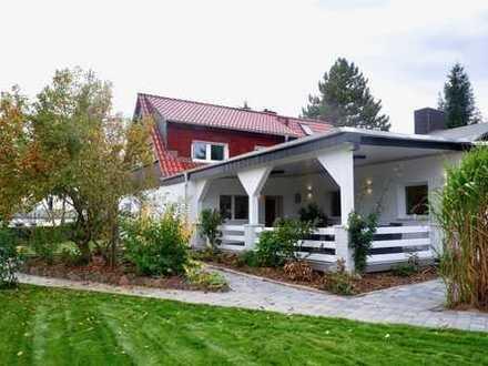 Stilvolle Doppelhaushälfte mit Sauna, Terrasse, großem Garten und Nebengebäuden in Leipzig!