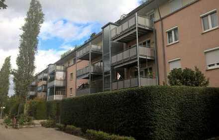 Günstige, sanierte 4-Zimmer-Wohnung mit Balkon in Augsburg