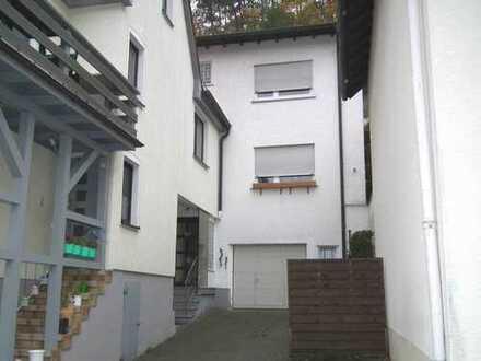 5 Zi. Haus in Schmiten /Ts. Erstbezug nach Komplettrenovierung
