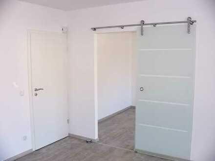 Vollständig renovierte Zweizimmerwohnung mit Einbauküche