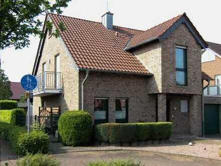 Erfüllen Sie sich Ihren Wohntraum! Freistehendes EFH mit großem Garten, Garage und Stellplatz!