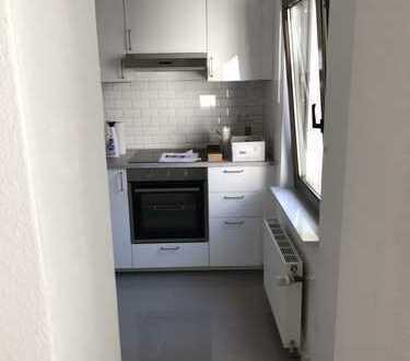 Erstbezug nach Sanierung: freundliche 1-Zimmer-Wohnung mit EBK in Nippes, Köln