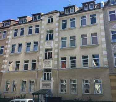 Geräumige 3 Zimmer Wohnung, Madamenweg!