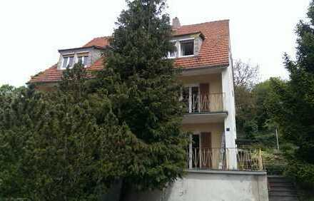 Teilsaniertes Haus mit 3 Wohnungen in Bad Neustadt