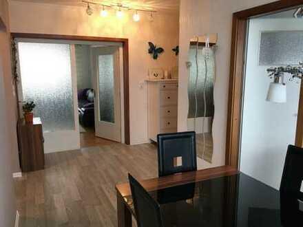90 m² 3 Zimmer Wohnung Fahrstuhl Garage Einbauküche Kiel E-hagen