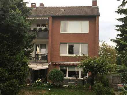 Vollständig renovierte 3-Zimmer-Wohnung mit Balkon und Garage in Neuss