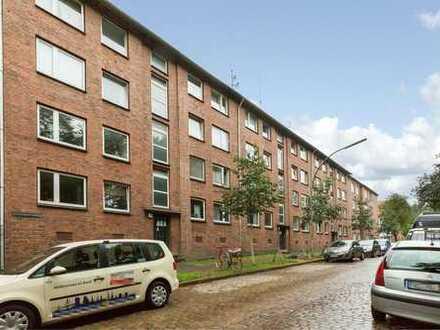 2,5 Zimmerwohnung, Erstbezug, umfassend modernisiert, Einbauküche, Balkon