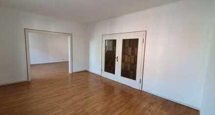 Geräumige, sanierte 2,5-3 Zimmer-Wohnung in Gelsenkirchen, in unmittelbarer Nähe zum Stadtgarten
