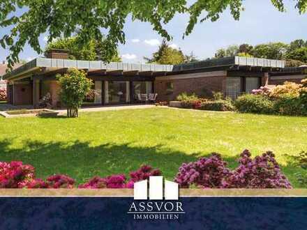 Architektonisch ansprechender Familien-Bungalow mit viel Platz und großem Garten